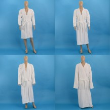 Valkoiset frotee kylpytakit