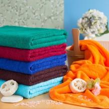 Värilliset pyyhkeet 90*170 cm